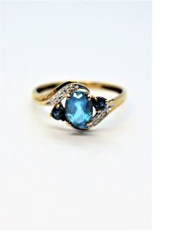 9ct gold topaz & diamond ring