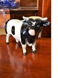 Coopercraft  porcelain cow