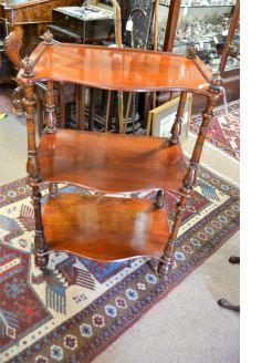 Victorian mahogany wot-not