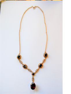 9ct gold garnet necklace