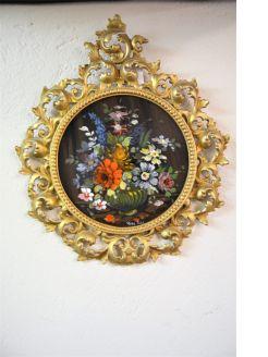 Signed oil in gilt frame   (modern)