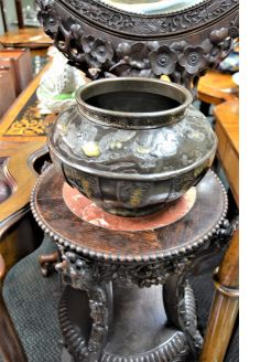 Antique Chinese pot