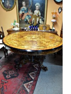 Victorian burr-walnut centre table