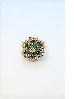 18ct gold diamond & emerald ring