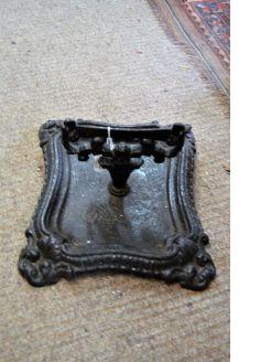 Cast iron foot scrapper