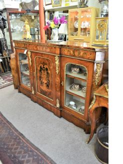 Victorian burr-walnut credenza with brass mounts and inlay