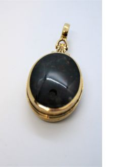 9ct gold fob /pendant
