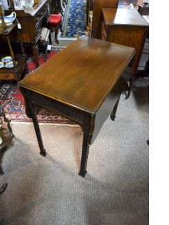 mahogany penbrooke table