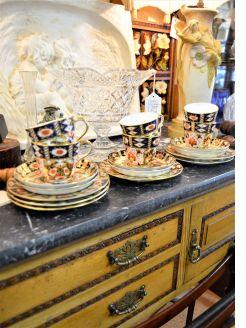 18 piece Victorian Davenport tea-set