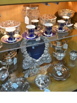 Set of six Victorian silver holders / Spode cups & saucers