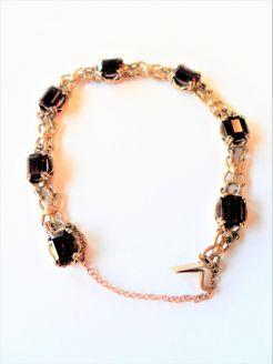 9 carat gold garnet bracelet