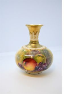 Royal worcester vase,signed