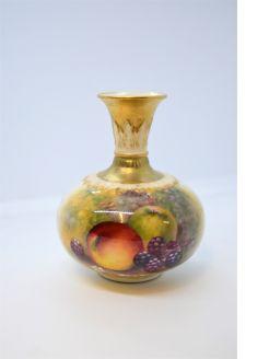Royal worcester vase,signed