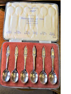 Set of six silver spoons (cased)