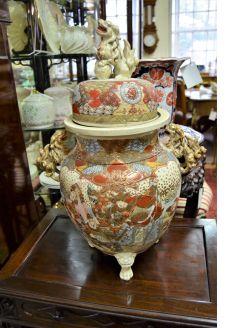 Japanese satsuma jar & cover