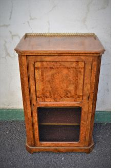 Victorian burr-walnut music cabinet