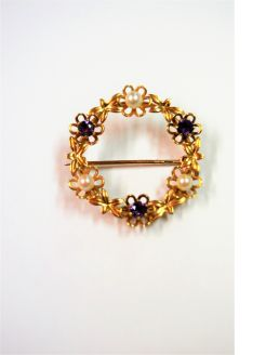 9ct gold amethyst & pearl brooch