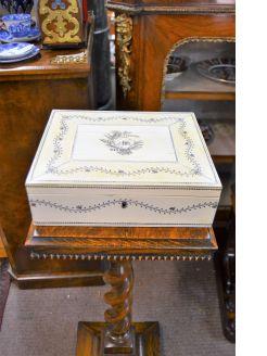 19th century Indian Vizagapatam bone box