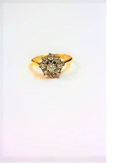 18ct gold diamond ring (appox 1ct diamond)