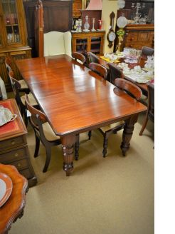 Late victorian mahogany dining table