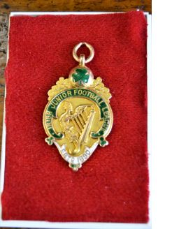 Glentoran irish football 15ct gold medal