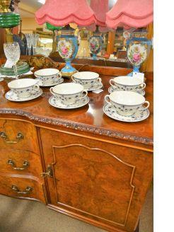 Twelve piece royal doulton porcelain set