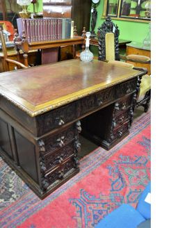 Victorian oak leather top desk