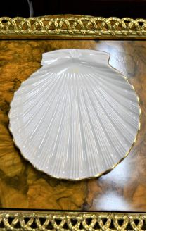 First period belleek shell dish