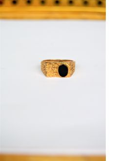9ct gold onyx ring