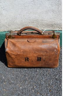 Old gladstone leather bag