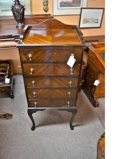 1930s mahogany chest