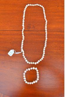 Fresh water pearl necklace & bracelet