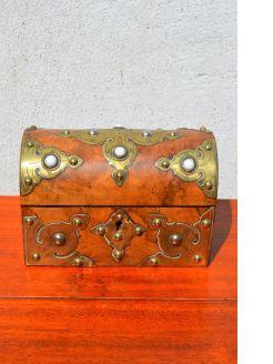 Victorian walnut & brass box