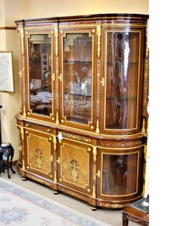 Italian four door display cabinet