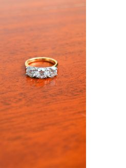 Three stone 18ct gold diamond ring