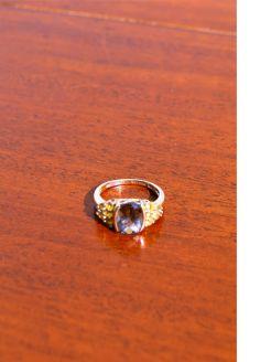 9ct gold quartz ring