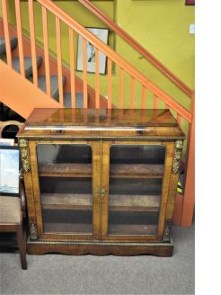 Victorian burr-walnut cabinet