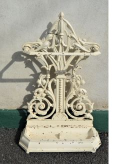 Victorian cast iron stickstand