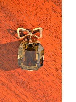 14ct gold ribbon & citrine brooch