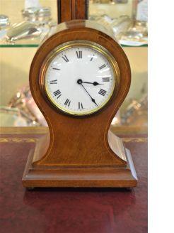 Mahogany cased mantle clock