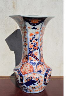 19th century imari vase