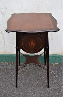 Edwardian mahogany occasional table/ cake stand