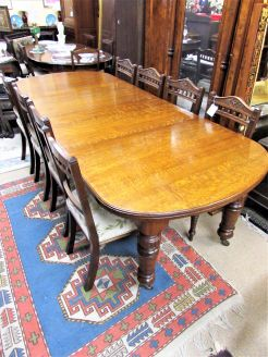 Victorian oak two leaf table