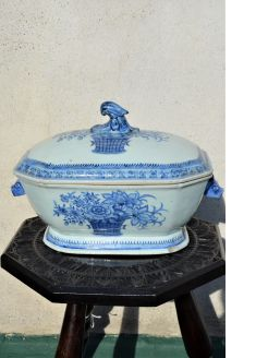 18th century chinese porcelain tureen