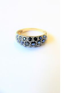 9ct gold sapphire ring