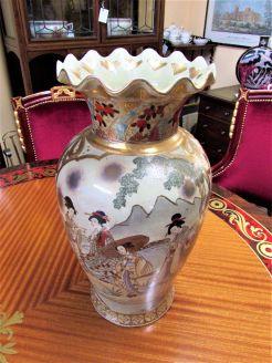 Large chinese vase (modern)