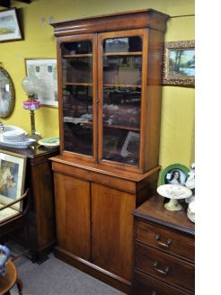 Victorian mahogany two door bookcase