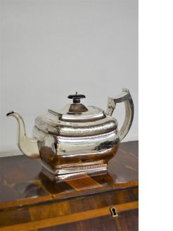 Georgian irish silver tea pot