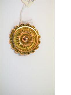 Victorian 9ct gold brooch