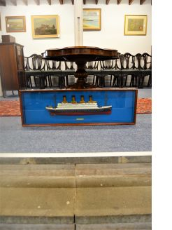 Cased cast iron model of the Titanic